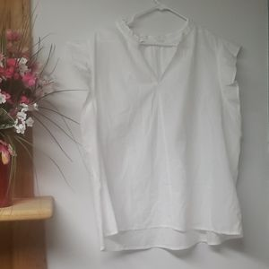 Brand NEW GAP White flutter sleeve blouse